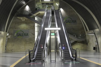 Victoria - escalator for extended travel heights