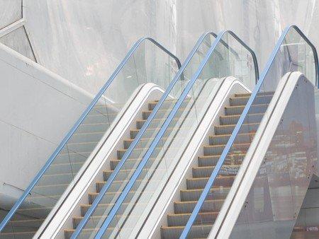 Escaleras mecánicas Tugela - Llamativos pasamanos