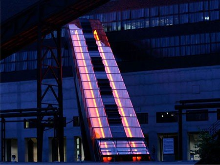 victoria escalator - extraordinary heights